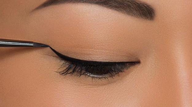 Eye makeup liner tips